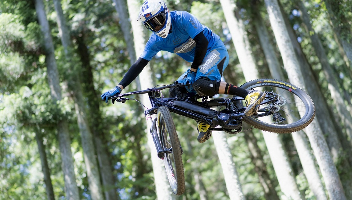 Der Yamaha PW-X e-Bike-Antrieb wurde für den Einsatz in e-Mountainbikes entwickelt und gibt dem eMTB mit der zusätzlichen Unterstützungsstufe ExtraPower zusätzliche Antriebskraft, perfekt für steile Trails.