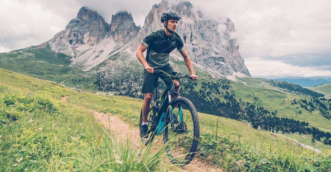 Damit der e-Bike-Akku Sie nicht im Stich lässt, finden Sie hier alle Faktoren, die die Reichweite des e-Bikes beeinflussen.
