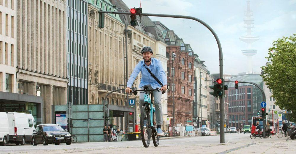 Mit einem Drehmoment von 40 Nm eignet sich der neue e-Bike Motor von Bosch perfekt für gemütliche Stadtfahrer, der Pedelec-Motor unterstützt den e-Bike-Fahrer mit 250 % der eigenen Leistung.
