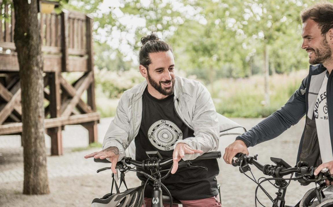 E-Bike fahren hat viele Vorteile am vor allen Dingen macht das Fahren mit Motorunterstützung unglaublich viel Spaß!