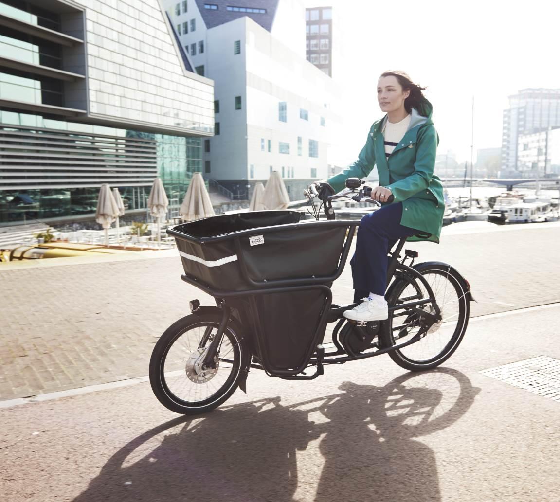 Die e-Lastenräder von Urban Arrow bieten ungewöhnliche Lösungen für viel Stauraum.