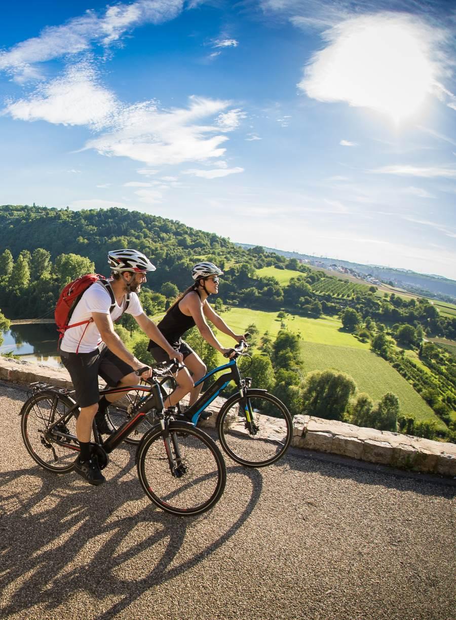 Das Trekking e-Bike vereint ist komfortabel, stabil und durch den e-Bike Akku sehr ausdauernd.