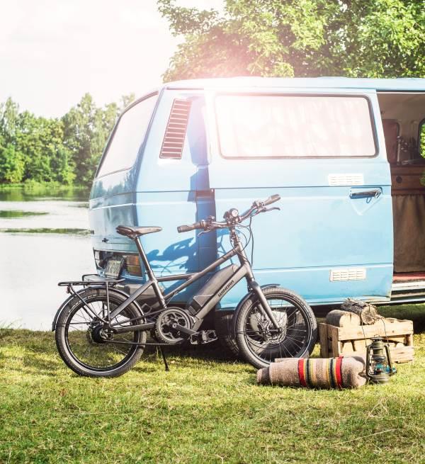 Weil die kleinen Kompakt und Klapprad e-Bikes so wenig Platz benötigen, sind sie die idealen Urlaubs-Pedelecs, denn sie finden sogar im PKW Raum.