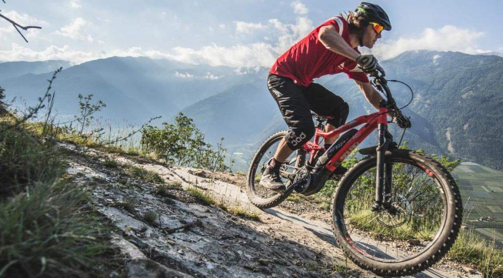 Der kompakte Yamaha PW-X ermöglicht kurze Kettenstreben für natürlichen Trail-Spaß